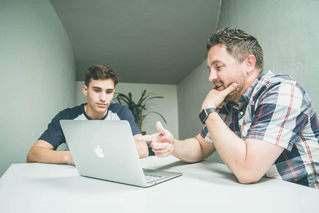 Portada Ayudas a emprendedores jóvenes