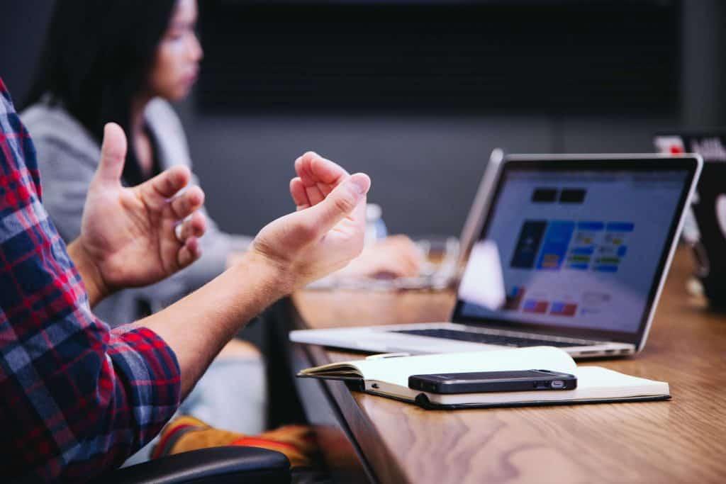 Tiempo, diferencias entre empresario y emprendedor