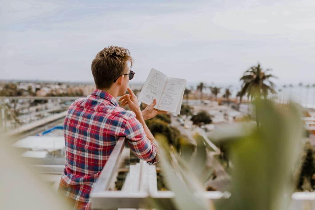 Visión del mundo, diferencias entre empresario y emprendedor
