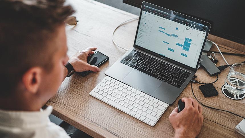 Cómo ganar dinero en internet: Ideas prácticas a tener en cuenta